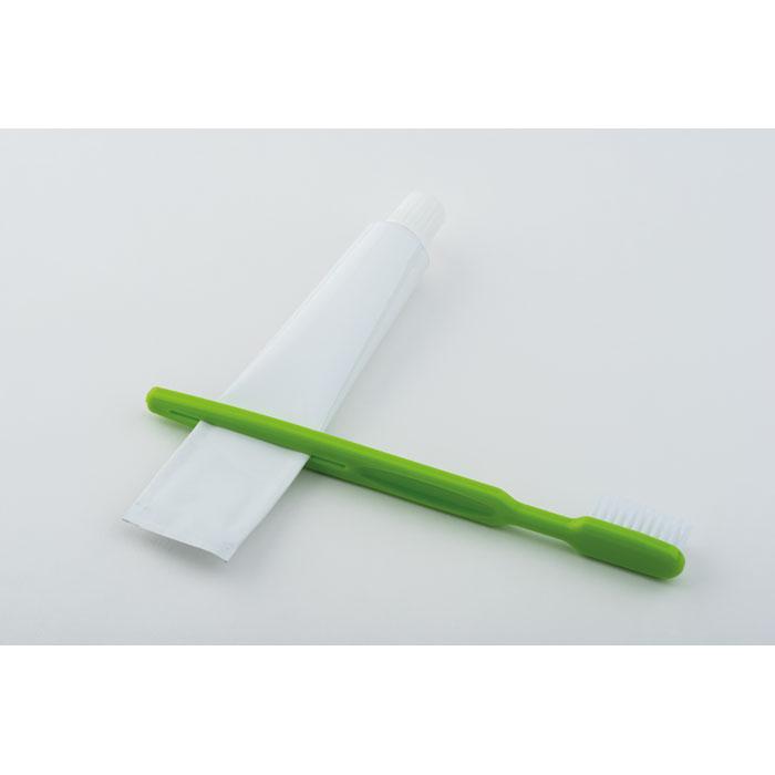 Зубная щетка с крышкой